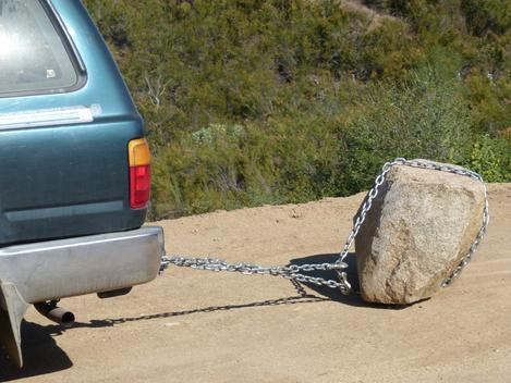 Sometimes the big rocks can be moved  with a chain. - grid24_12