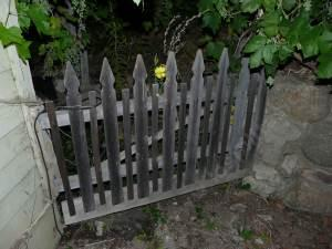 Simple Picket Fence Gate. Gates Do Not Have To Be Hard To Build.