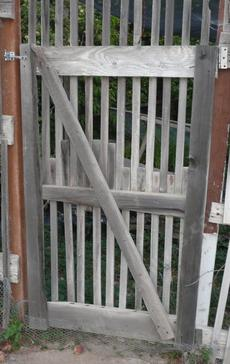 Gate with 8 foot lath - grid24_6