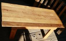 A finished pallet table top. Some of the pallets are made of oak and can be used to make decent furniture.  - grid24_6